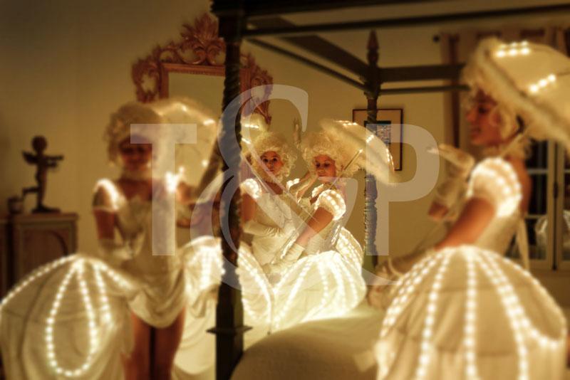 lighting dancers, strolling entertainment, walk around entertainment, lighting dancer, light dancers, lighting entertainment